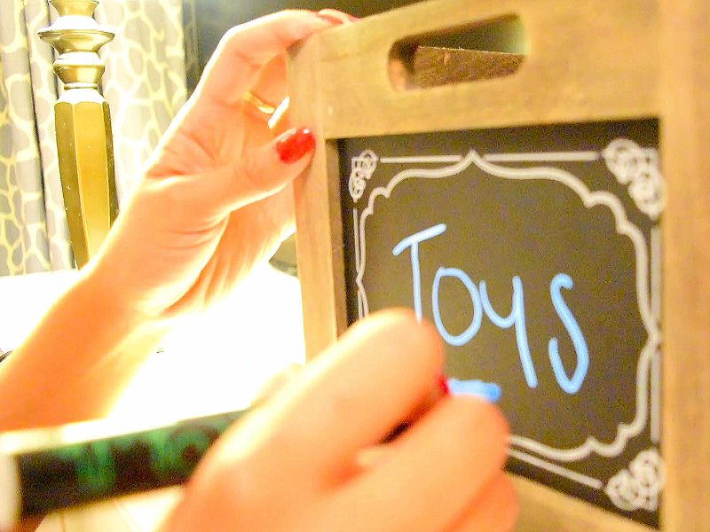 chalk-markers-for-toy-boxes-by-danalour.com
