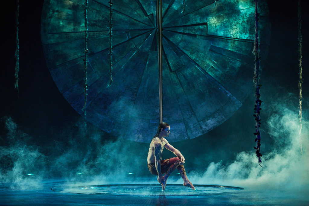 Straps-luzia-cirque-du-soleil-atlanta-latinos-magazine