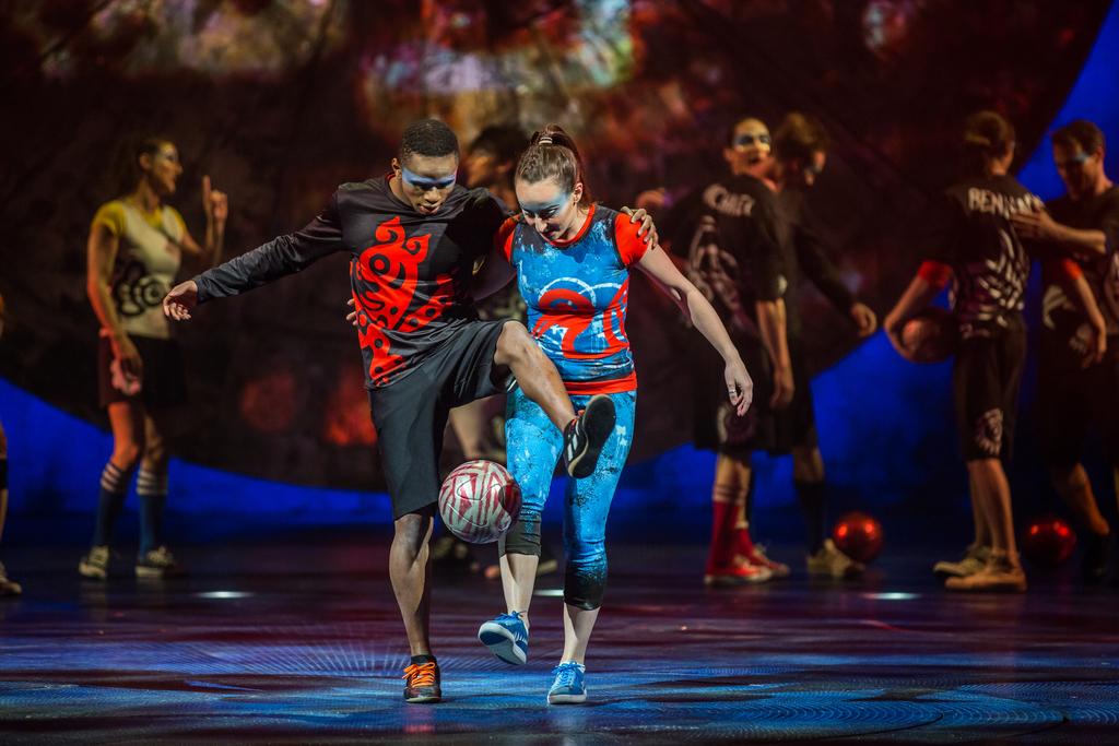 luzia-cirque-du-soleil-25757-Football-Dance