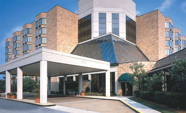 georgia-plaza-hotel-hiring-guest-services-bilingual-representative