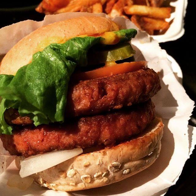 vegetarian-burgers-burgerfi-peachtree-corners-atlanta-ga