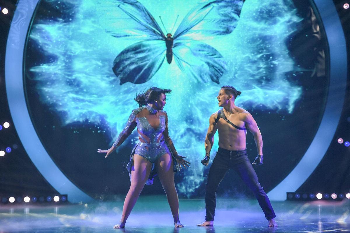 amara-mira-quien-baila-show2