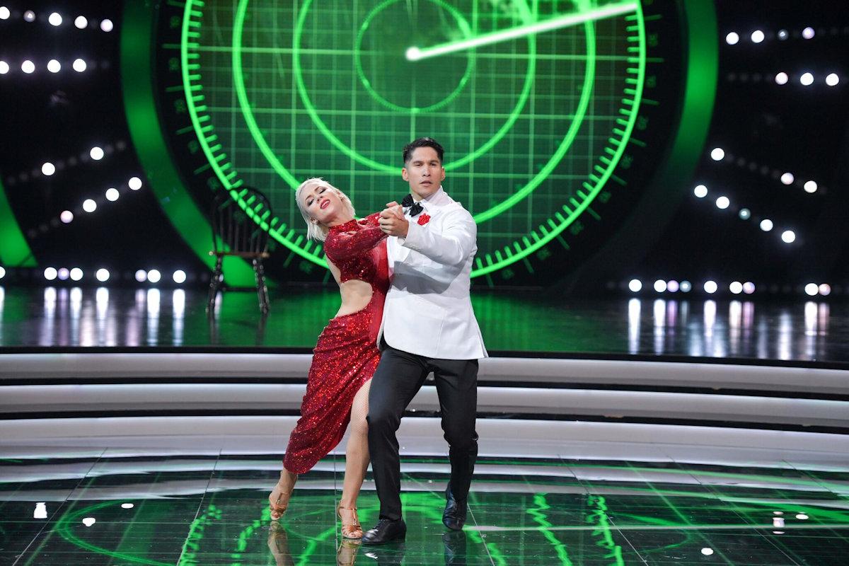 chino-mira-quien-baila-show2