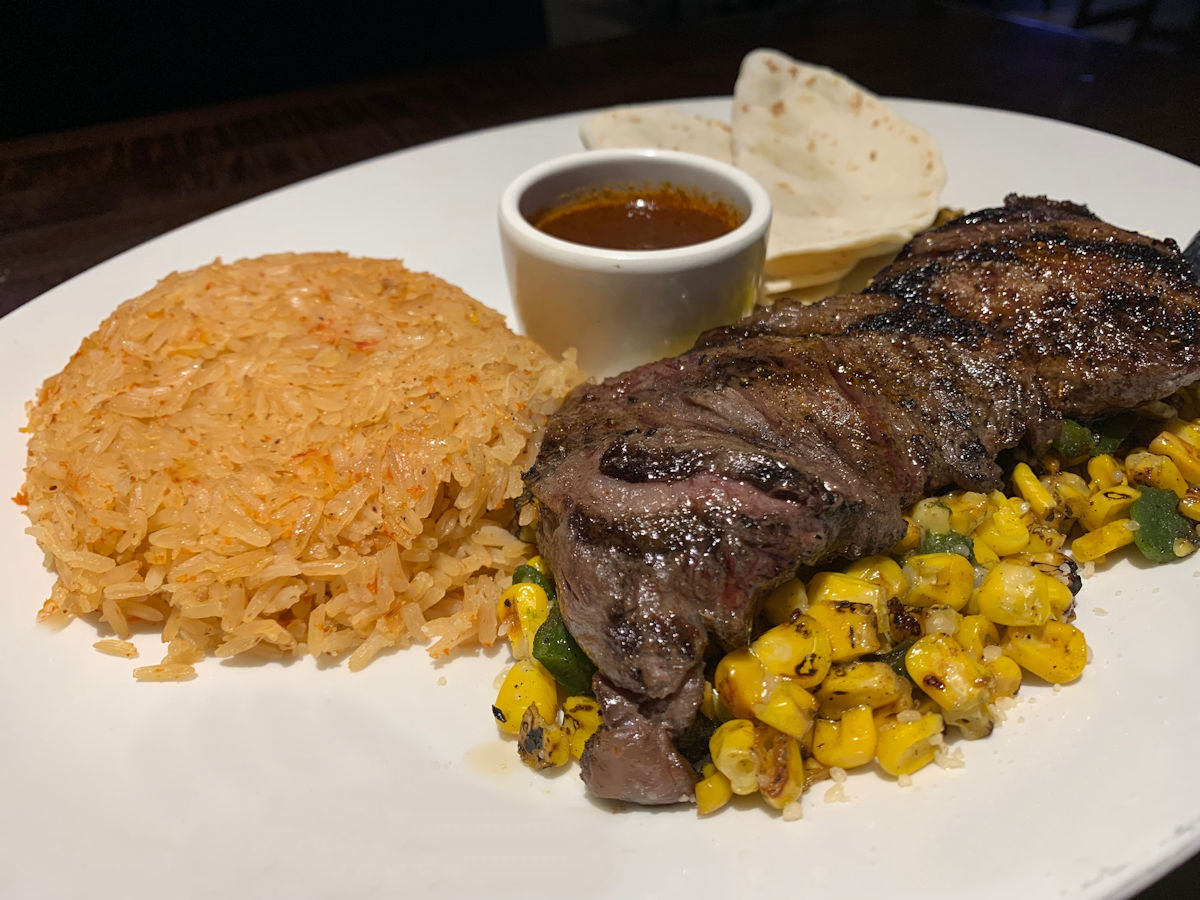 yard-house-battery-park-atlanta-skirt-steak-arrachera