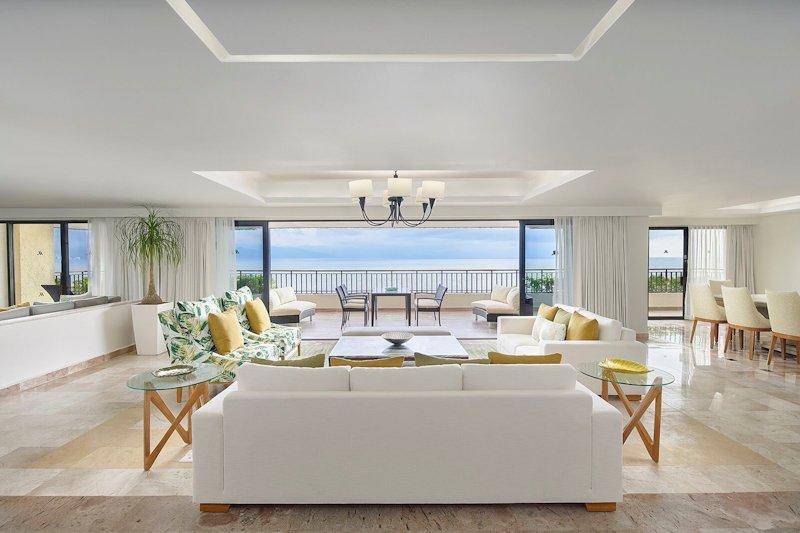 mariott-puerto-vallarta-resort-overall-guest-room