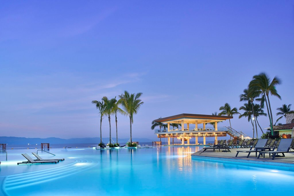 mariott-puerto-vallarta-resort-pool-evening